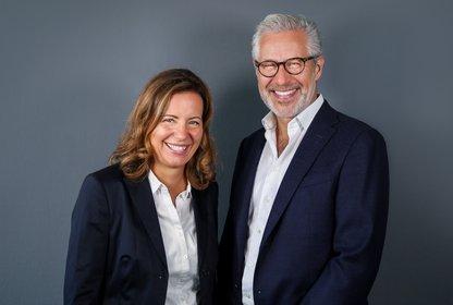 Anke Herbener, CEO MRM//McCann Deutschland, und Ruber Iglesias, CEO McCann Worldgroup, Bild: MRM//McCann Presse